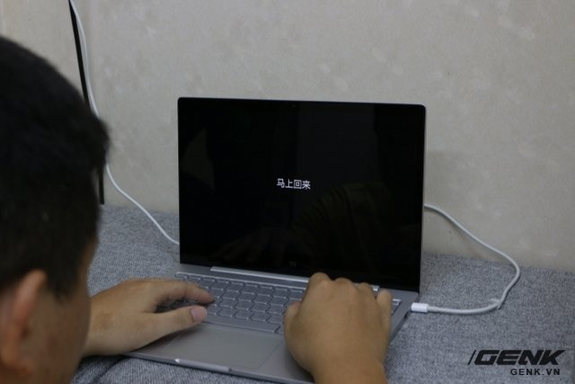 Đánh giá laptop Xiaomi gọn nhẹ giá bình dân