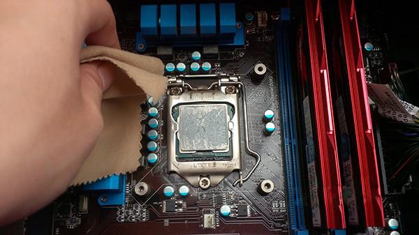 Hướng dẫn cách sử dụng keo tản nhiệt laptop đúng cách