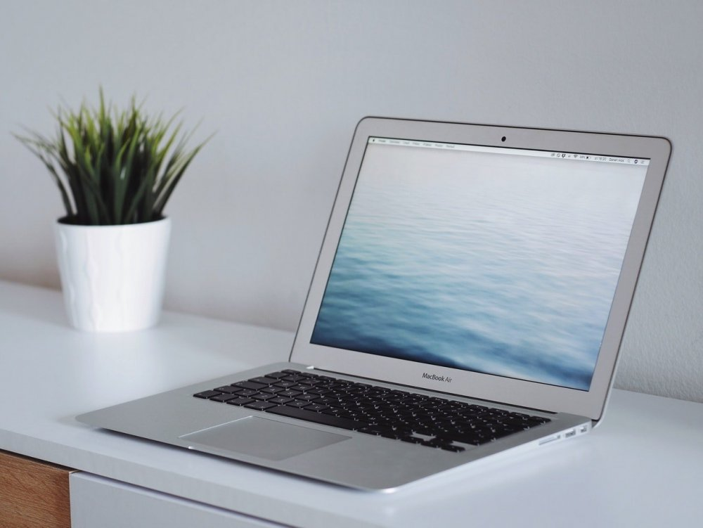 So sánh macbook với dell trên 8 tiêu chí