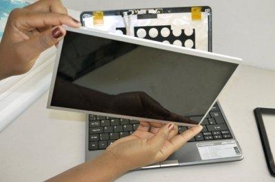 Những điều cần lưu ý khi thay màn hình laptop bạn nên biết