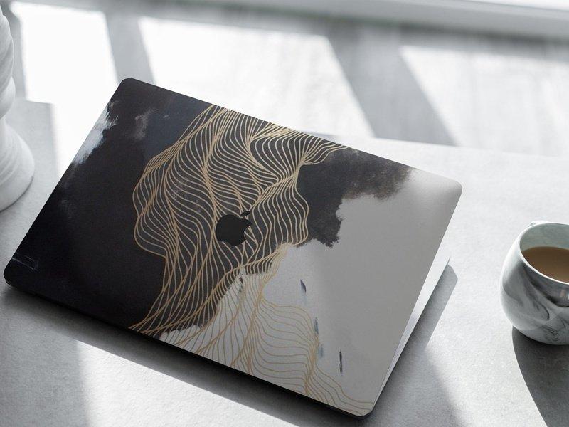 Chiếc laptop trở nên lung linh hơn hẳn khi được trang trí